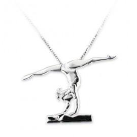 pendentif gymnaste MIKELART VERTICAL JAMBES ECARTEES SUR LA POUTRE